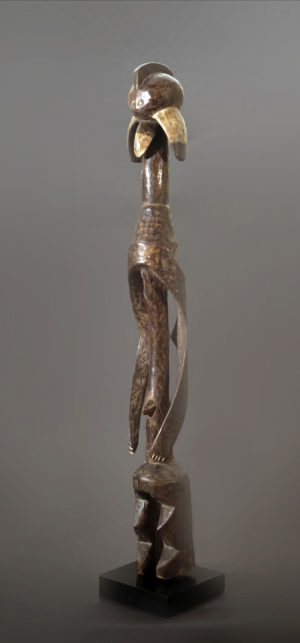 A female Mumuye sculpture